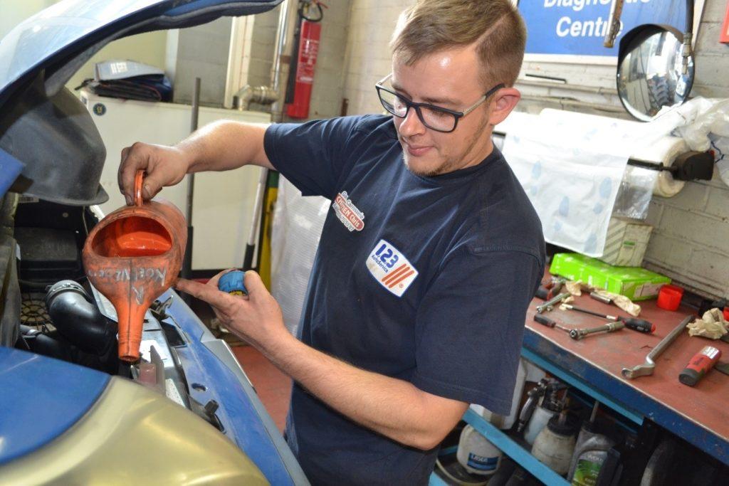Olieverversing en revisie   Garage in Aalst